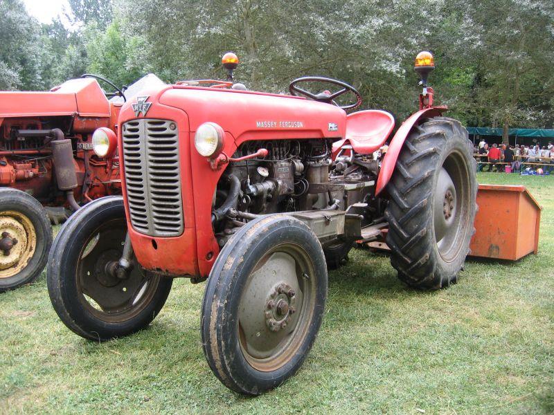 massey ferguson les vieux tracteurs agricoles. Black Bedroom Furniture Sets. Home Design Ideas