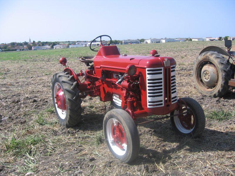 mc cormick les vieux tracteurs agricoles. Black Bedroom Furniture Sets. Home Design Ideas