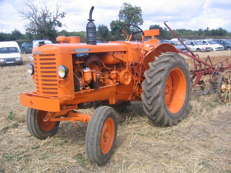tracteur renault ancien tracteur agricole. Black Bedroom Furniture Sets. Home Design Ideas
