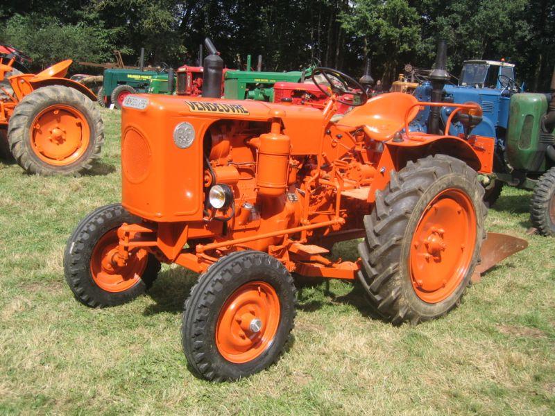 Vendeuvre 183 Les Vieux Tracteurs Agricoles