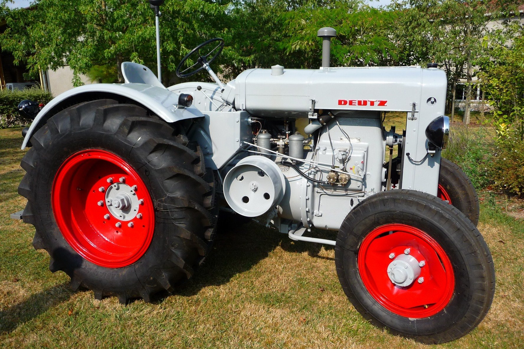 Tracteur agricole de collection
